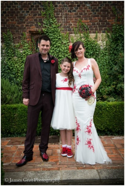 with_love_and_lace_bespoke_couture_bridalwear_jo_withey_dress_wedding_bride_unique_custom_embroidery_dartford_kent_becca_2014_family